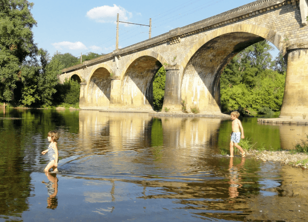 the dordogne river valley, france – with kids