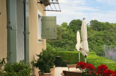Family-Friendly Provence Boutique Hotel – Lou Baou